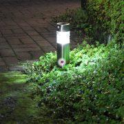 Grundig leszúrható napelemes lámpa szenzoros rozsdamentes acél 31 cm