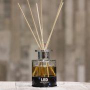 Aroma diffúzor LED világítással 80ml 4 illat