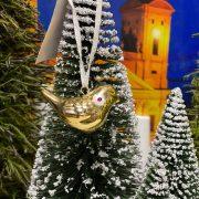 Madár akasztós porcelán 4.3x2.2x2.5cm arany 2 féle karácsonyi ajtódísz