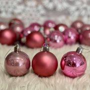 Gömbdísz , dobozban műanyag 5cm rózsaszín 3 féle 18 db-os Karácsonyfa gömb