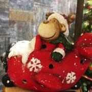 Rénszarvas repülőben poly 14x7,5x11,5 cm piros, fehér karácsonyi LED figura