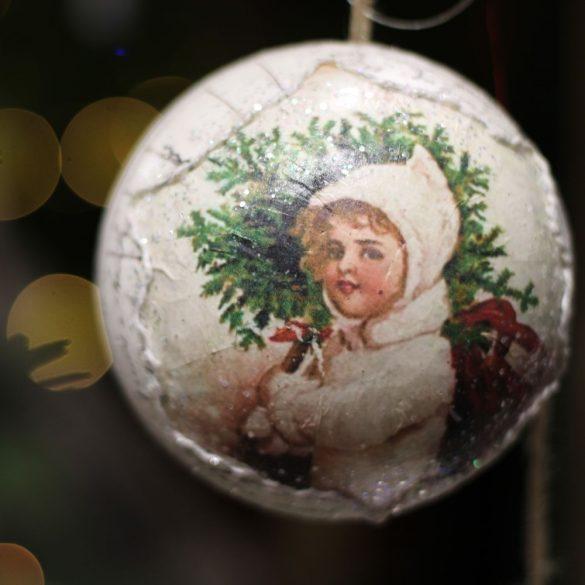 Karácsonyfa Gömb kislánnyal glitteres papír 14 cm fehér