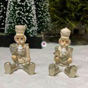 Diótörő ülő poly 3.7x4.2x6.3cm krém, arany 2 féle karácsonyi figura