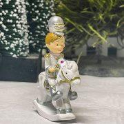 Katona álló poly 5x2x7.5cm fehér,arany,ezüst 4 féle karácsonyi figura