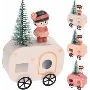 Karácsonyi lakókocsi kislánnyal 14 cm 3 féle választható kivitel