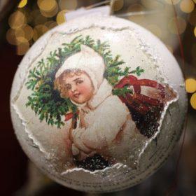 Decoupage karácsonyfadísz