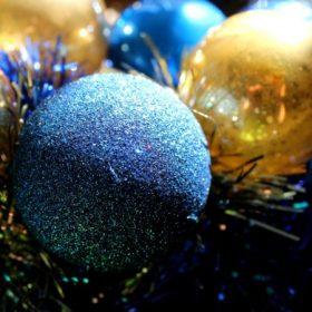 Kék karácsonyi dekoráció