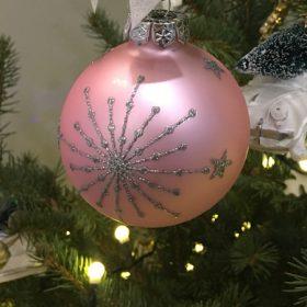 Rózsaszín karácsonyfadísz