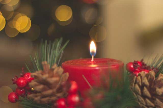 Karácsonyi dekorációs gyertya