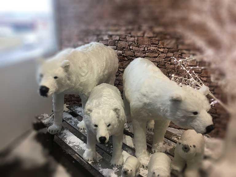 Nagyméretű téli dekoráció jegesmedve