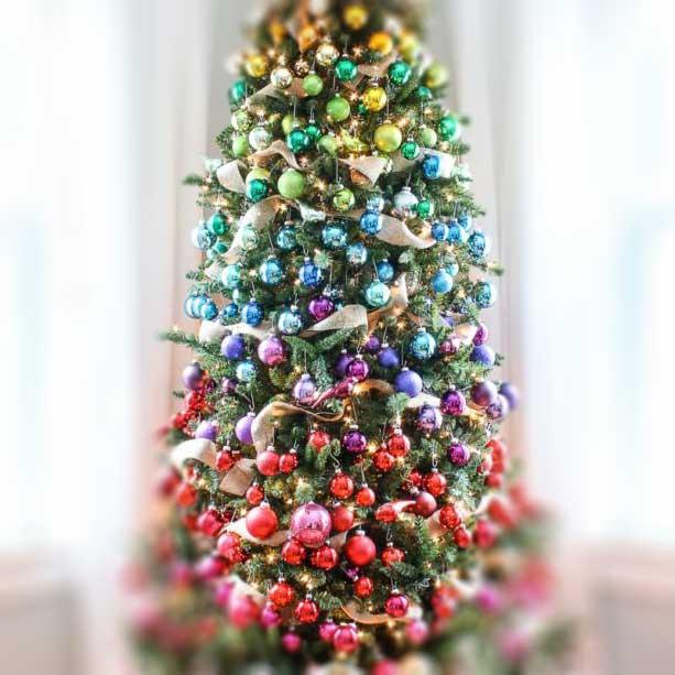 Szivárvány színű karácsonyfadíszek