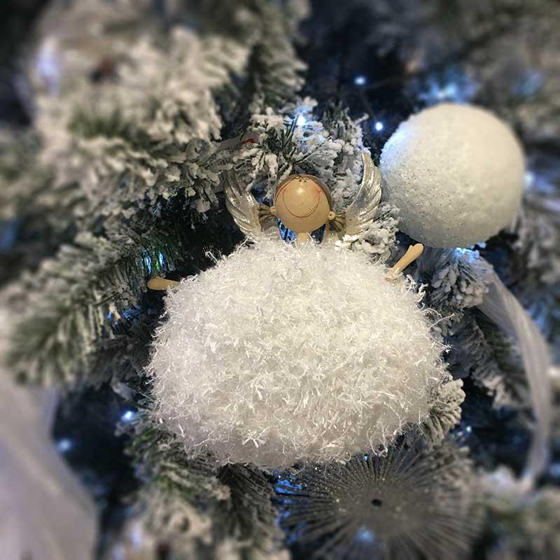 Karácsonyi figura - zsenilia anyagból
