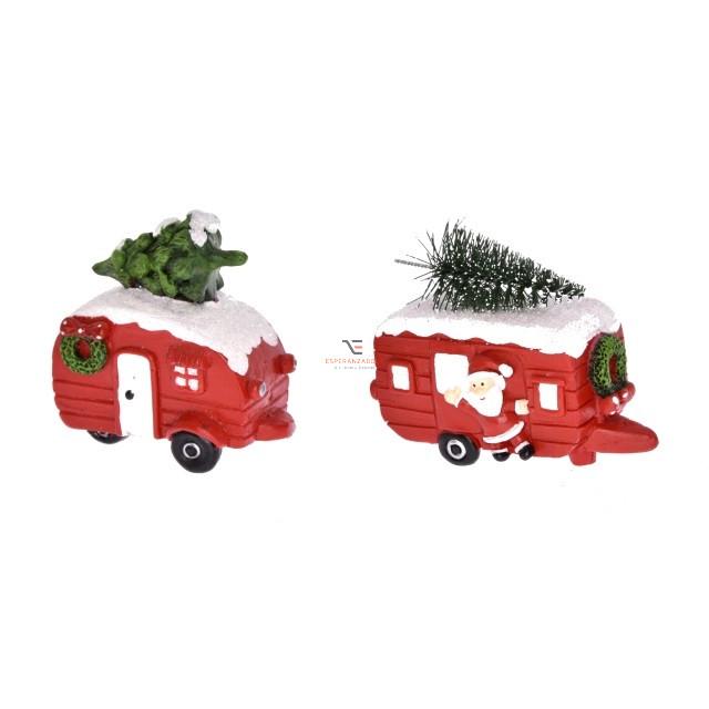 Lakókocsi fenyővel, havas tetővel poly 4x8,5x-6,5 piros, fehér 2 féle karácsonyi autó